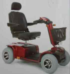 Celebrity XL 4-wheel Scooter For Sale: Like New.  $$ Negotiable.