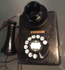 Antique Kellogg wall Telephone Phone, working just plug it in