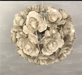 Cream metal Rose light fitting /lamp shade