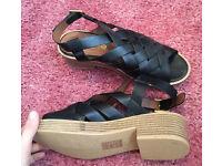 Women's black sandals size 7