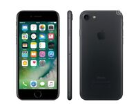 iPhone 7 128GB Black excellent condition with accessories and Mophie power station