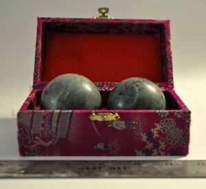 2 Marble Spheres and Box