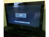 "HITACHI 32"" LCD TV FULL HD BUILT IN FREEVIEW EXCELLENT CONDITION REMOTE CONTROL HDMI FULLY WORKING"