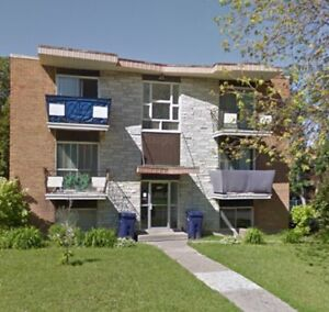 4 1/2 a louer/ 4 1/2 for rent 2 bedrooms