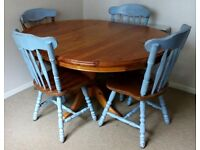 Solid pine wood extendable dining table with 4 chairs