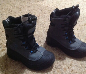 Kids Winter Boots.  COLUMBIA Size 2