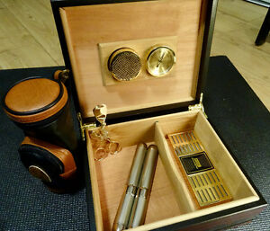 REDUCED Vintage Cherrywood Humidor (golf themed)