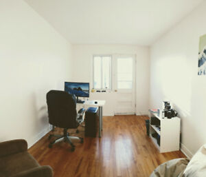 Apt. Montreal Mile End for just FEBRUARY (1 month)!