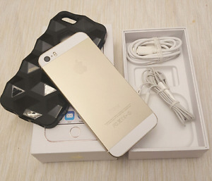 Iphone 5s 16gb with  Bell / Virgin  * Pick up Now
