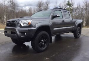 Tacoma With Lots Of Extras & LOW Mileage!
