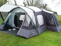 Large family tent, hardly used and in great condition.