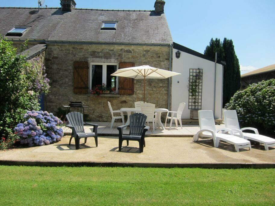 Miraculous Last Minute Brittany Holiday Cottage Rental In Newport Pagnell Buckinghamshire Gumtree Home Interior And Landscaping Palasignezvosmurscom