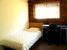 Short Stay - 9km to CBD, Walk to, Griffith Uni and QE2 hospital Salisbury Brisbane South West Preview
