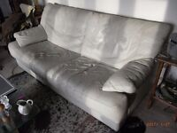 Leather sofa and two chairs, Italian Design, very comfy, Ivory colour, cushions unzip