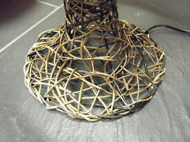 Chinese bamboo hand weaved table lamp