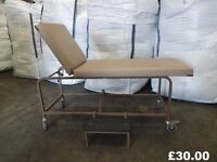 examination table / massage table / Physio Table on wheels lay flat or up right