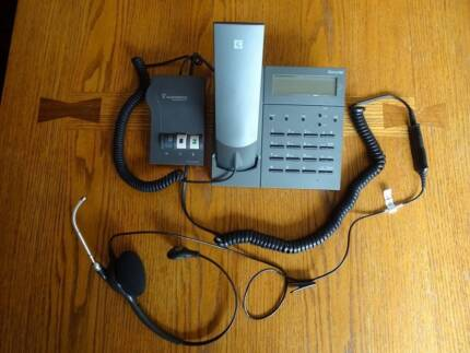 Telstra Desk Phone and Plantronics Headset in excellent condition