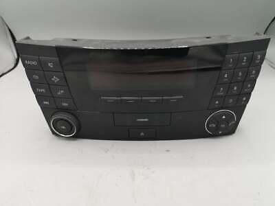 MERCEDES E CLASS W211 E320 CDI 03' RADIO CD PLAYER HEAD UNIT A2118200879 /K-596