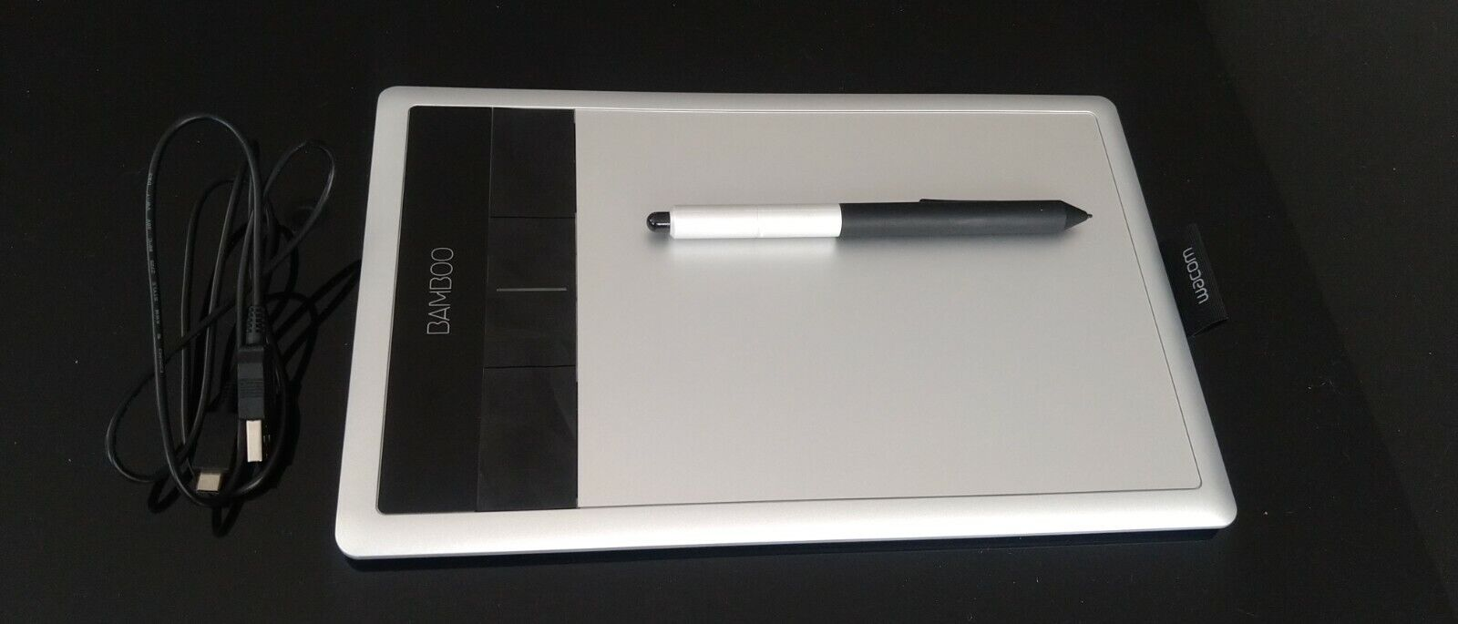 Tablette graphique bamboo cth 470 + cable + stylet