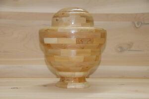 urne en cèdre