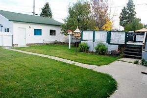 13435 130 Street - ALL INCLUSIVE! FREE RENT! 3 bedroom Reno! Edmonton Edmonton Area image 2
