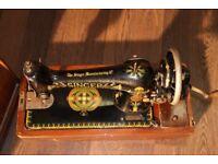 1918 Hand Crank Vintage Antique Singer Sewing Machine 66K