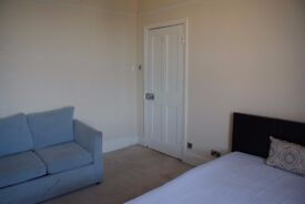 Newly Refurbished Double Bedroom (Large)