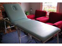 Beautelle Portable Foldable Massage/Beauty Table