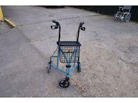 3 wheeled rollator