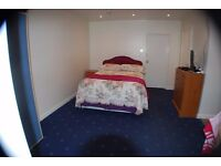 Studio flat to let in west Watford to professionals (non-smoking). No DHSS