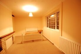 A Refurbished Large Double bedroom in a shared house to rent with free Wifi, Students only