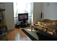 1st/floor split level 2 double bed flat with separate reception room in Willesden Green.