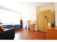Hendon Lane/Criklewood - Garden - New Stunnig Rooms