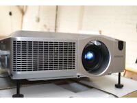 Hitachi CP-X605 Digital Multimedia Projector
