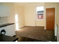 NEWLY REFURBISHED 1 BEDROOM FIRST FLOOR FLAT SITUATED IN POOLE HIGH STREET