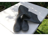 Quality Mens Wellingtons Size 10 or 44