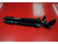 Calumet 7300 Tripod with Manfrotto 804RC2 3-Way Head £90