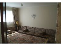 Large 3/4 Bed: Close to Tube: Suit Family or Sharers.