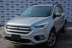 2017 Ford Escape SE *NAV* AWD * Moonroof*