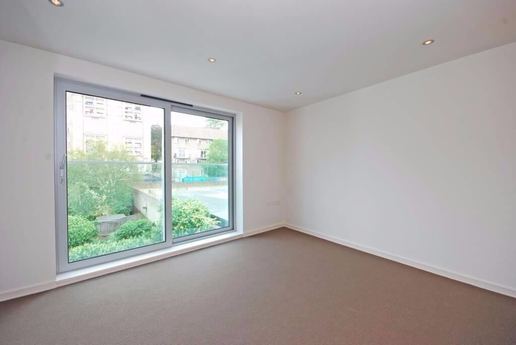Contemporary Apartment- All Souls Church, Loudon Road NW8