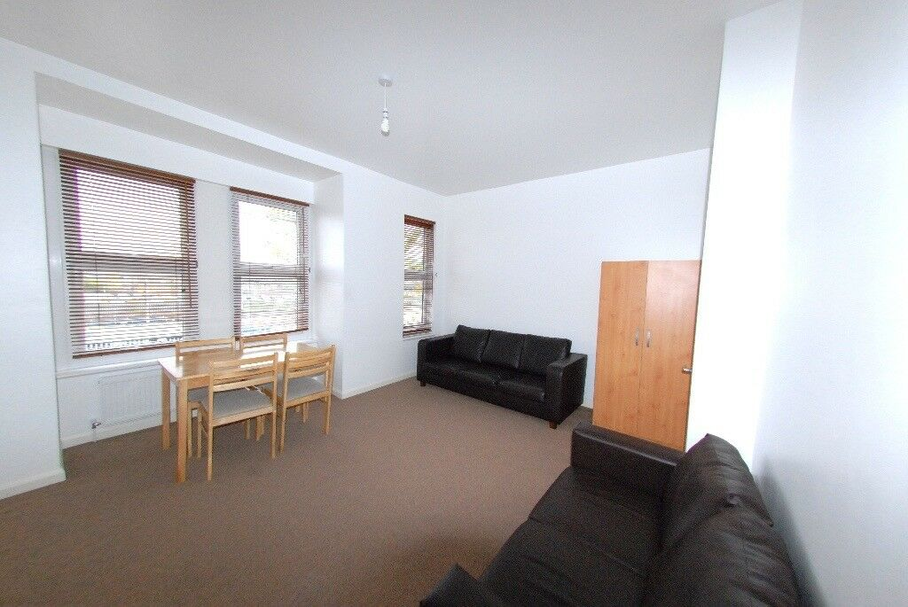 Neat & Clean, Good Condition, 3 Bed Flat Close to Local amenities, Public Transport. West Ealing