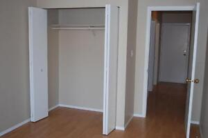 $745 - One Bedroom Suite in Parkview for Nov 1st