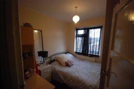 ROOM IN SHOREDITCH! ONLY £125 WEEKLY! MOVE IN TODAY
