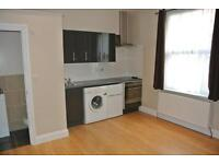 CL508-1 Ground floor studio flat in Cricklewood. Rent includes wi-fi and all bills except electric.