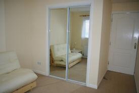 A fantastic, bright room located 10 min walk from Glasgow Uni