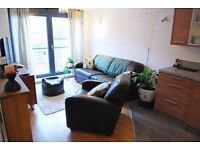 Modern, two bedroom apartment on StokeNewington High street