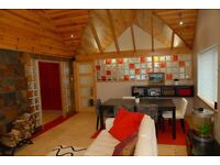 Semi-detached 2 bedrooms + utility room + loft fully furnished modern cottage with sea views