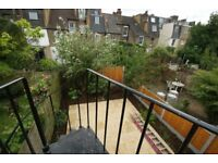 Amazing Value! Bright & Sunny 2 Bed Flat - Shared Garden - £380pw - Perfect for 2 Sharers - Fulham