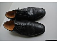 Crockett & Jones Hastings lace up shoes; full brogue, 60E; Black calf leather beautiful finish.