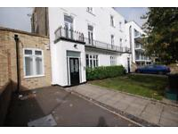 2 bedroom flat in Caledonian Road, Holloway
